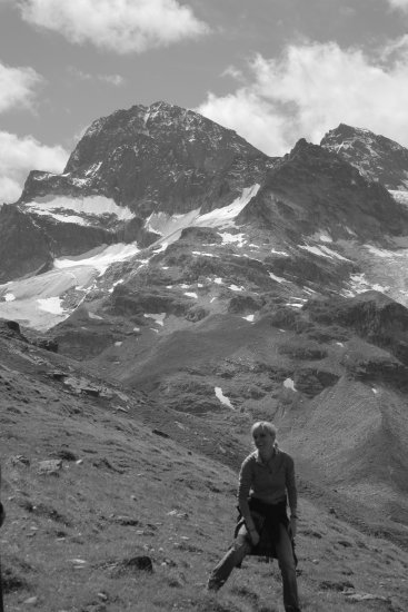 me coocki Isabelle selfportrait mountains black white Piz Buin fun climbing