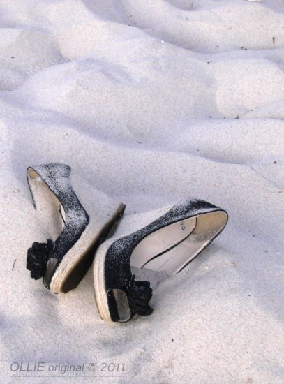 Sculptures shoes left beach sea cottesloe perth littleollie