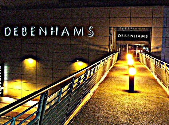 Debenhams Hemel Hempstead Night hdr 2011Rob