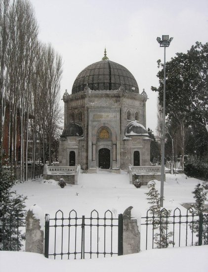 sultanresat eyup turbe istanbul snow winter turkey