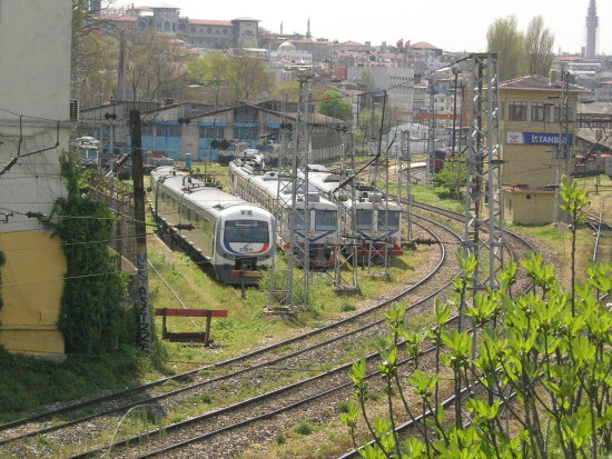 commuter train sirkeci istanbul tcdd turkey railway banlieu