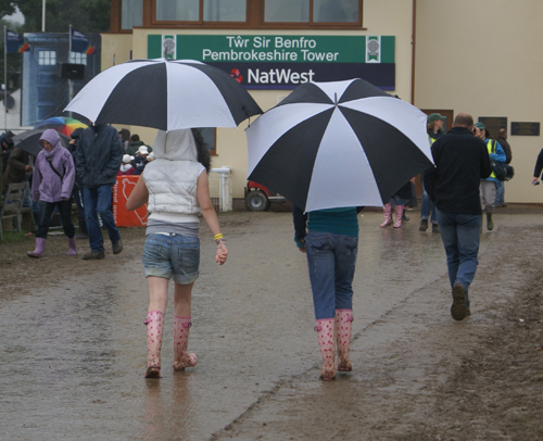 Eat yer hearts out all you designer fashion houses...wellies are in this year...