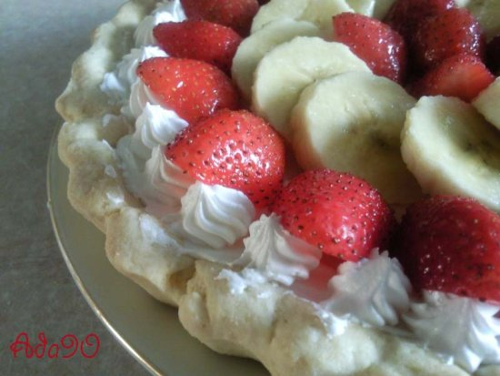 Funfriday Favouritefoodfriday tarts strawberry banana sweets