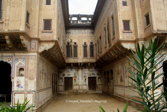 chowkhani double haveli mandawa rajasthan india