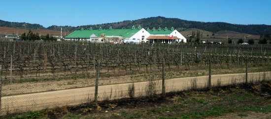 SANTIAGO    ON OUR WAY TO THE WINEYARDS  4.   WE ARE ALMOST THERE !!!!!