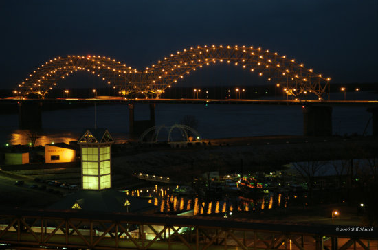 memphis tennessee us usa mississippi river bridge night christmasfriday 2006