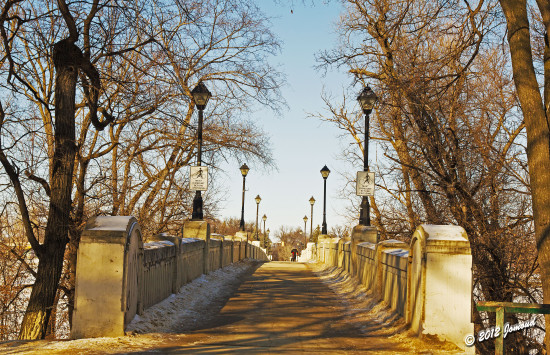 winnipeg canada assiniboinepark footbridge winter