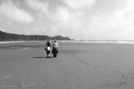 londi and her cuz lezley lapush lapushwashington seascapes beaches blackandwhite