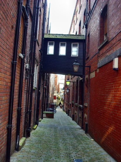 leeds back alley