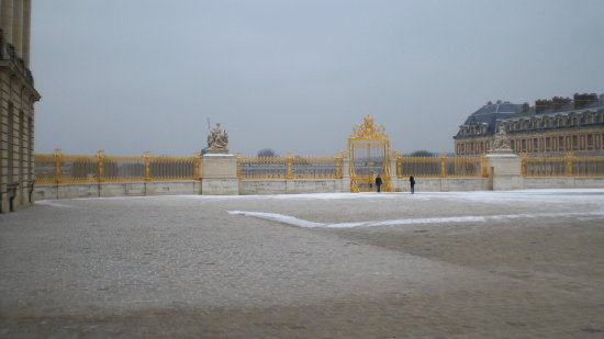 Chateau de versailles build by Lodewijk XIII started in 1624
