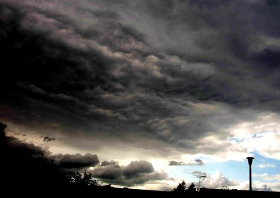 heavy cloud forms