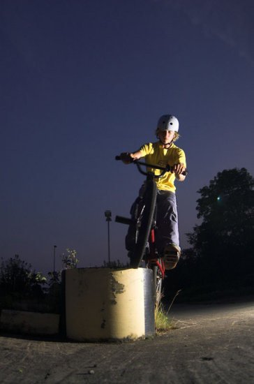 bmx actionsport feeeblegrind