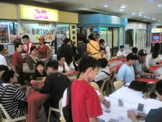 Philippines mall party