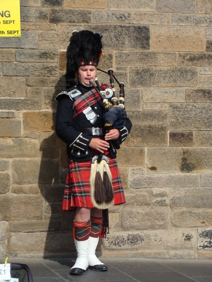 Edinburgh piper