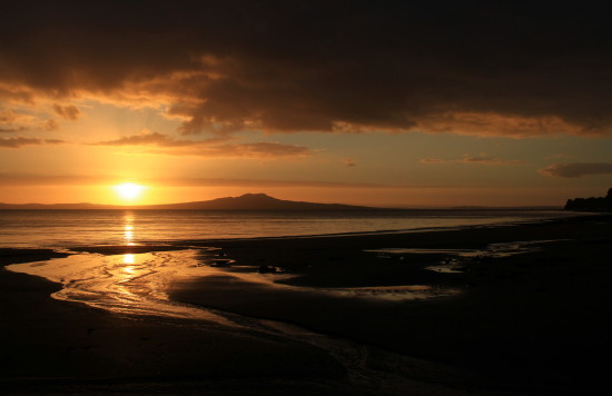 sunrise rangitoto murrays bay