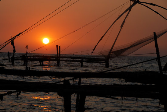 Sunset in Kerala - Fort Kochi / Chinese Fishing Nets