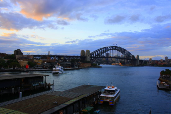sydney harbour from cahill walk