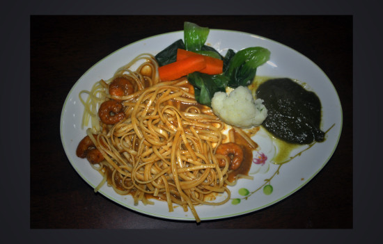 "pasta, (tagliarini) in hot spicy sauce with shrimp. spinach pureé (inspired by ft member ""dinner..."