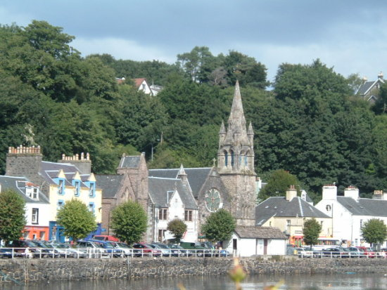 tobermory harbour village
