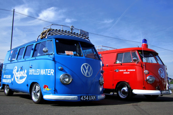 Volkswagen vw red blue fire water santa pod van