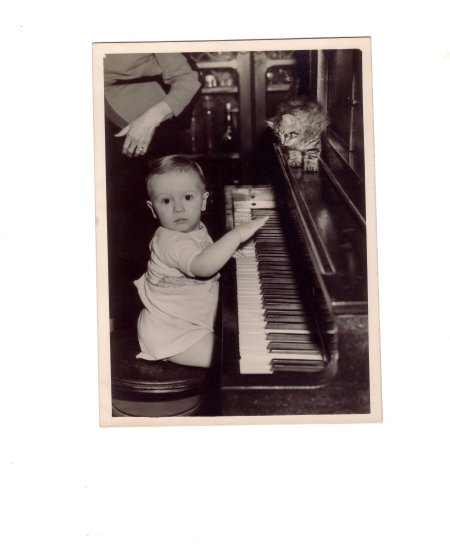 me the piano player momerytuesday