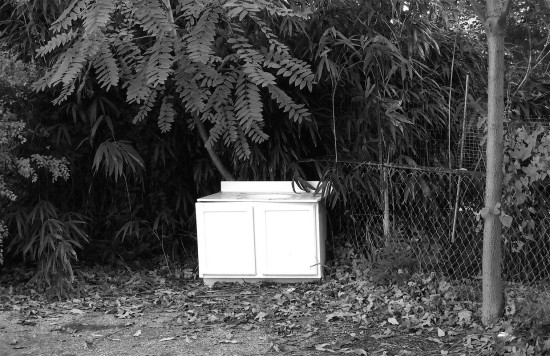 alley sink blackwhite bw abandoned trash chainlink fence