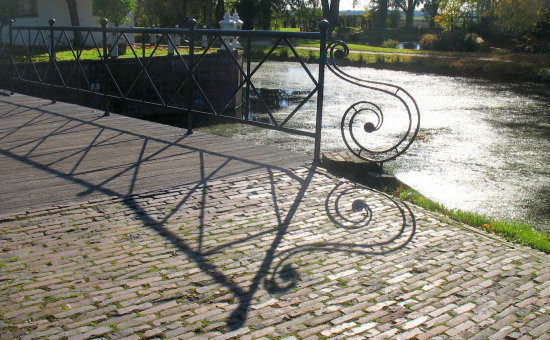 shadow bridge fraeylemaborg