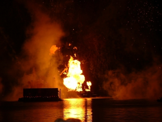 Fire Fireworks Explosion Lake Water Disney Epcot Moofygirl Illuminations