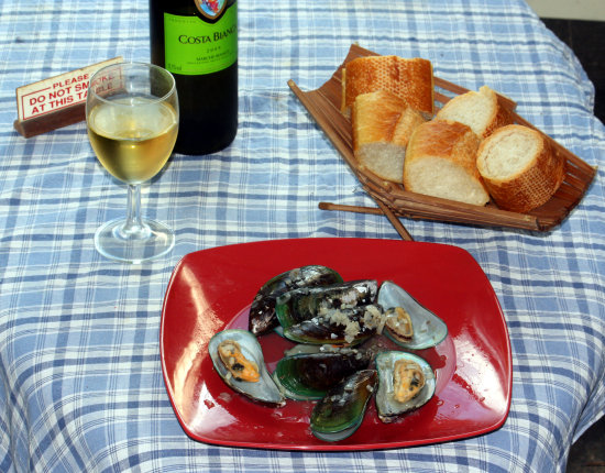 Moules Marinières - Lunch today!