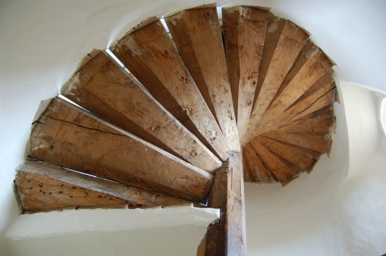 spiral staircase canons ashby northamptonshire