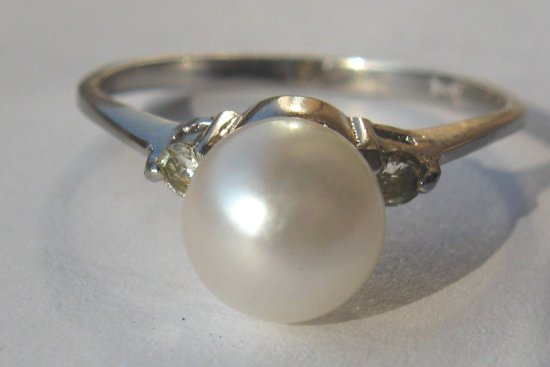 Sea white pearl silver ring crimeajewel