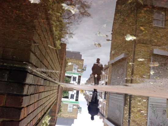 reflectionthursday london stockwell street reflection water abstract