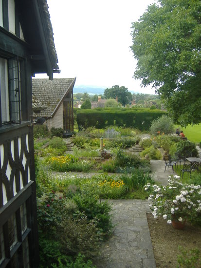 Worcestershire oldhouses hills