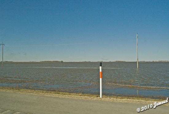 Manitoba NorthDakota highway flood 100410