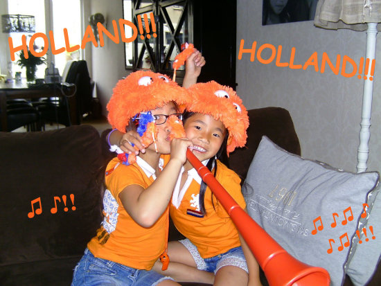 HOLLAND worldcup 2010 soccer cheering jeever jolie football