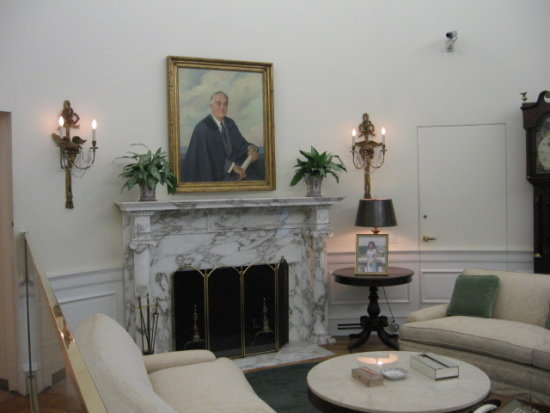 L. B. Johnson's replica of a White House Room with portrait of F. D. R.