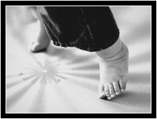 Foot Baby steps califfoto canon 300D rebel digital BW