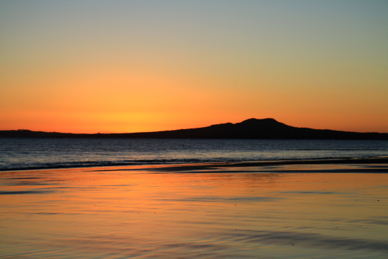 rangitoto rothesay bay dawn