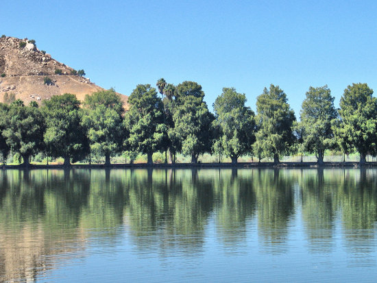 Fairmont Park Riverside California lake