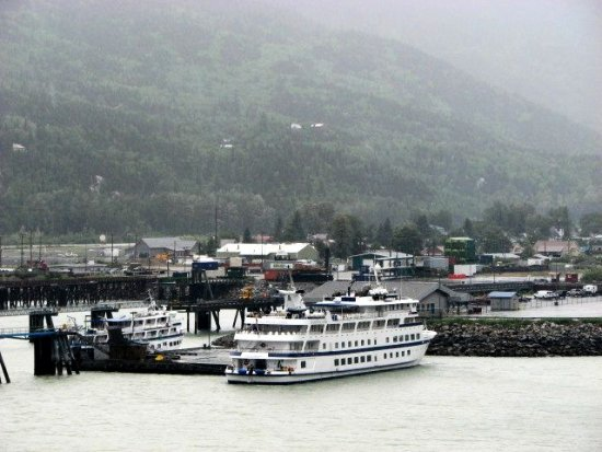 northtoalaska coralprincess alaska juneau ship harbor