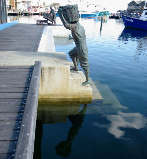 reflectionthursday fishing statues harbour fremantle wa littleollie