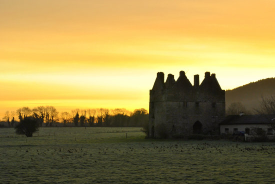 sunrise castle ruins sky winter frost