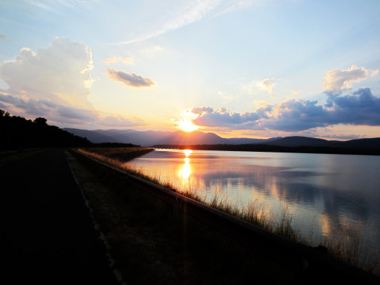 ashokan sunset sun dusk catskills new york ny