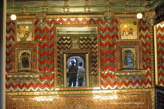 mirrors room city palace udaipur rajasthan india