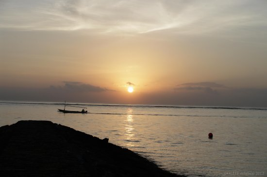 reflectionthursday early morning beach sunrise benoa bali littleollie