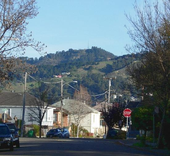 Lawton Avenue and Grizzly Peak.