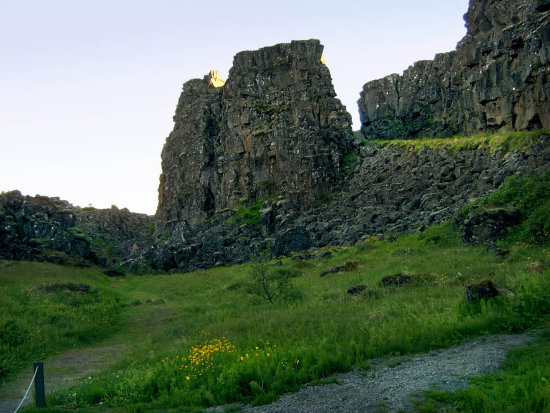 liveearth iceland nature landscape green rocks cliff grass gorge