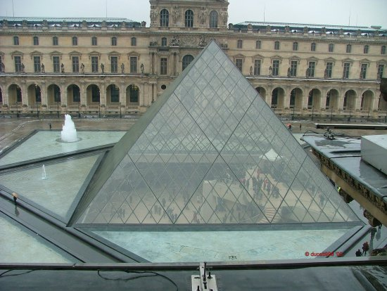 louvre pyramid paris glass architecture museum history