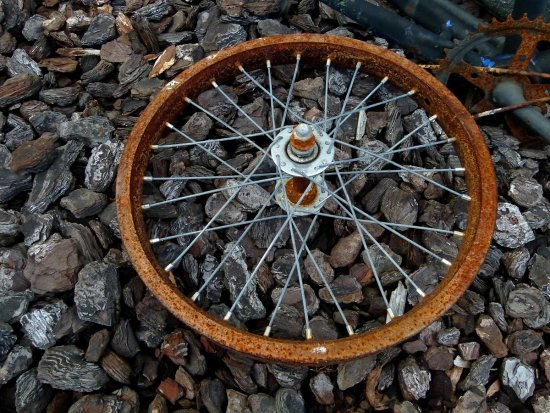 rust rusty wheel bike bicycle part