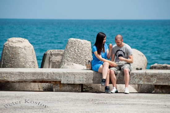 beach sea spring varna bulgaria nikon sigma couple portrait